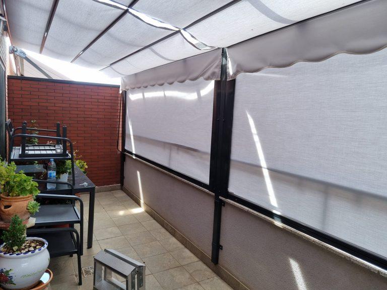 Pérgola 80 x 40 con toldos verticales (3)